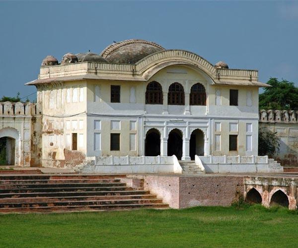 Aam Khas Bagh & Gurudwara Fatehgarh Sahib
