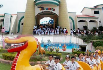 Dhillon's Fun World (Amusement Park)-Patiala