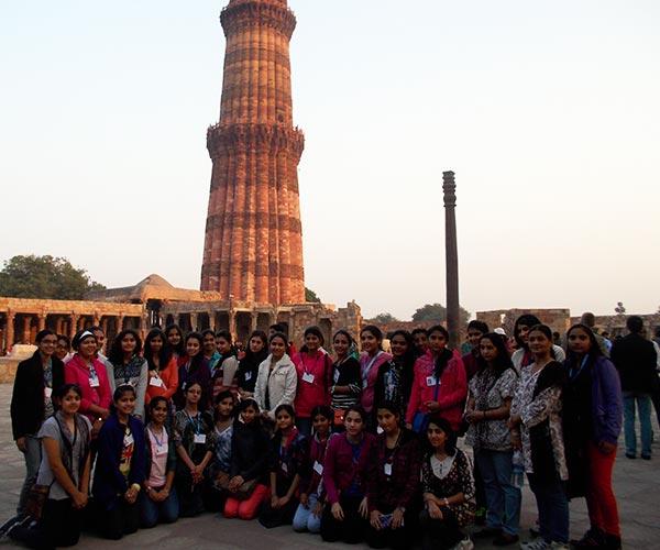 Delhi (Old & New Monuments)